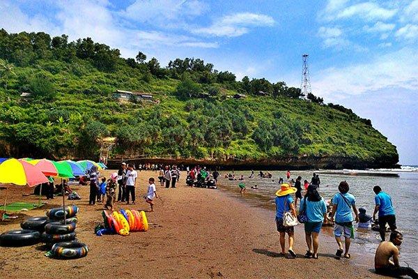 Rental Mobil Jogja Murah - Harga Sewa Mobil Jogja 2018 wisata-pantai-gunungkidul-pantai-baron 7 Tempat Wisata Pantai di Gunung Kidul Terpopuler