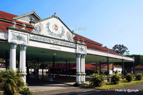 Rental Mobil Jogja Murah - Harga Sewa Mobil Jogja 2018 kraton-jogja-@google Wisata Sejarah Keraton Yogyakarta