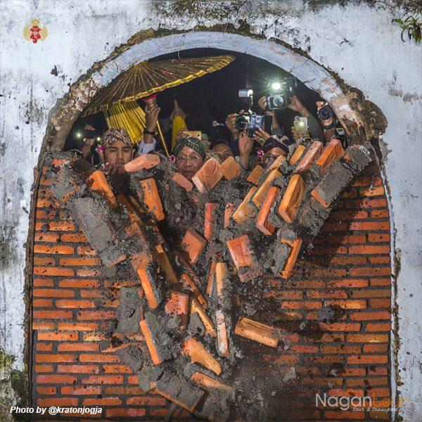 Rental Mobil Jogja Murah - Harga Sewa Mobil Jogja 2018 kraton-jogja-@kratonjogja2 Wisata Sejarah Keraton Yogyakarta