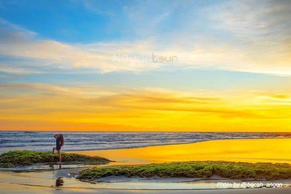 Rental Mobil Jogja Murah - Harga Sewa Mobil Jogja 2018 pantai-parang-endog-@bocah_angon Mengejar Sunset di Pantai Parangendog