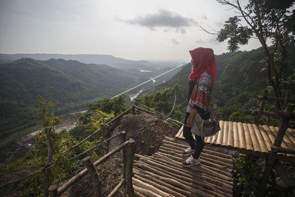 Lokasi Wisata Watu Lawang Mangunan